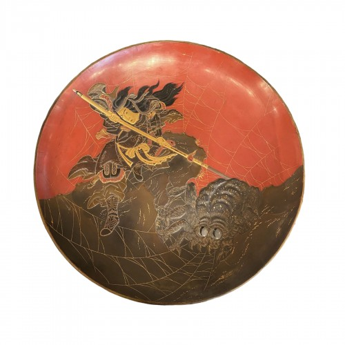 Japan, lacquer dish, Princess Kamigashi and the giant spider, Edo period