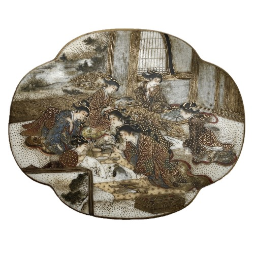 Japan , Satsuma kogo box and cover By Seikozan, Meiji Period