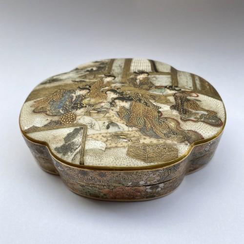 Japan , Satsuma kogo box and cover By Seikozan, Meiji Period -
