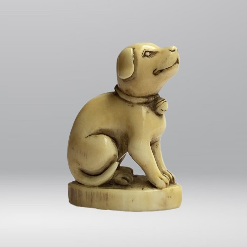 Japan, netsuke representing a dog, Edo period, late 18th, early 19th C. - Asian Art & Antiques Style