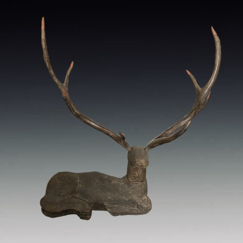 China, Resting deer, Chu Kingdom, Warring States, 4th-3rd century BC. - Asian Art & Antiques Style