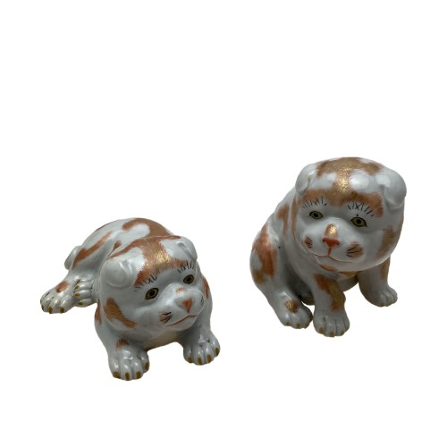 Japan, two small dogs, Kutani porcelain, 19th century - Asian Works of Art Style
