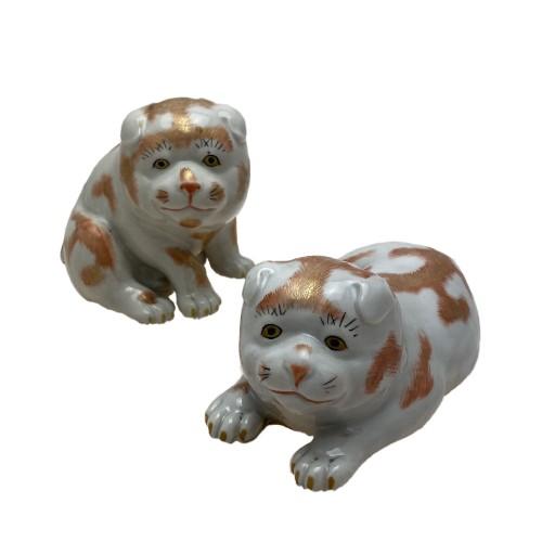 Japan, two small dogs, Kutani porcelain, 19th century -