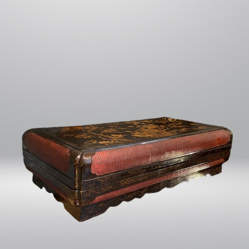 Large lacquer and basketry box, China Ming period, early 17th century. -