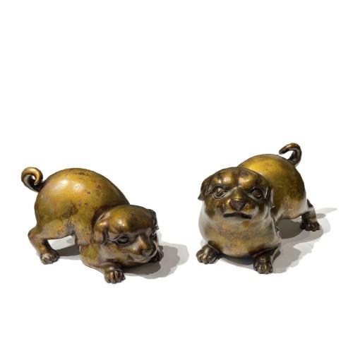 Japan, pair of bronze puppies, Meiji period