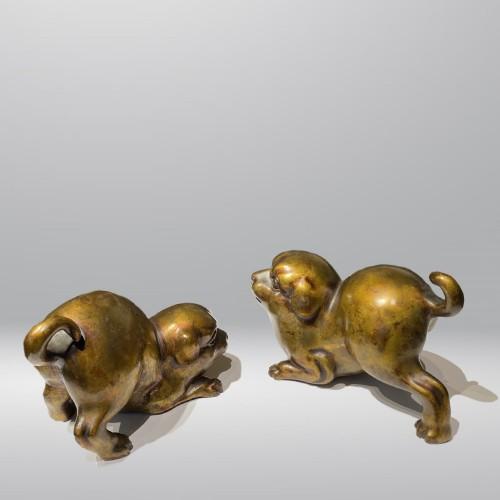 Japan, pair of bronze puppies, Meiji period -