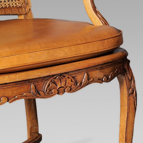 Pair of french Regence canned armchair, early 18th century - Seating Style French Regence