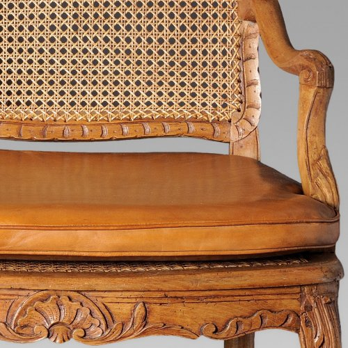 18th century - Pair of french Regence canned armchair, early 18th century
