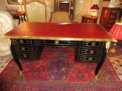 French Regence Bureau plat in ebony veneer inlaid with brass - Furniture Style French Regence
