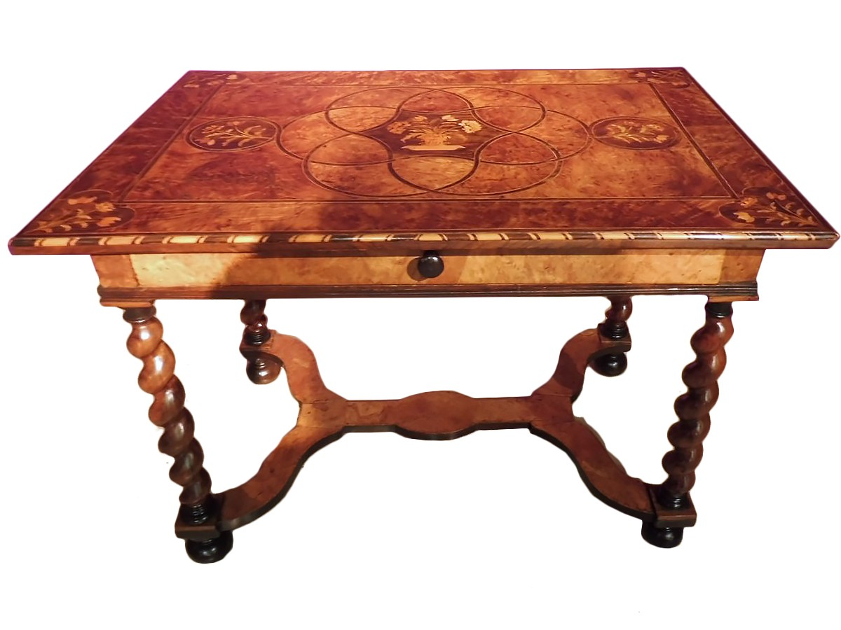 table bureau louis xiv travail du dauphin d but xviiie. Black Bedroom Furniture Sets. Home Design Ideas