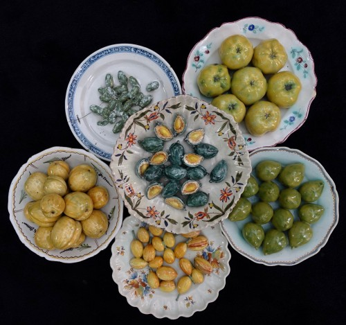 Antiquités - Collection of six trompe l'oeil plates - XVIII century
