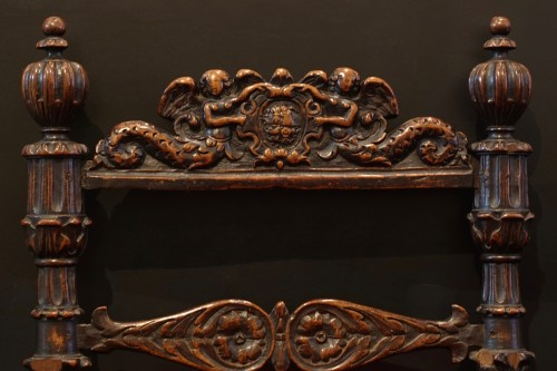 Pair of carved wooden chairs - Lombardy - XVI century -