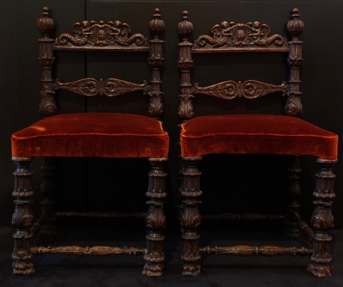 Renaissance - Pair of carved wooden chairs - Lombardy - XVI century