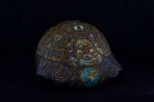 Curiosities  - Painted and golden turtle shell