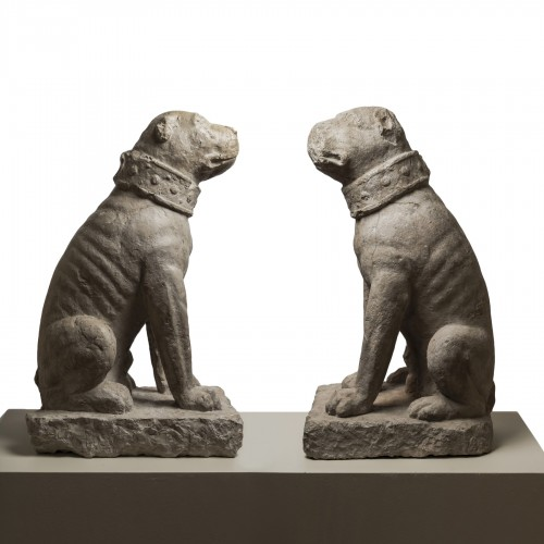 Rare pair of sitting mastiff dogs - Venice, 15th - 16th century