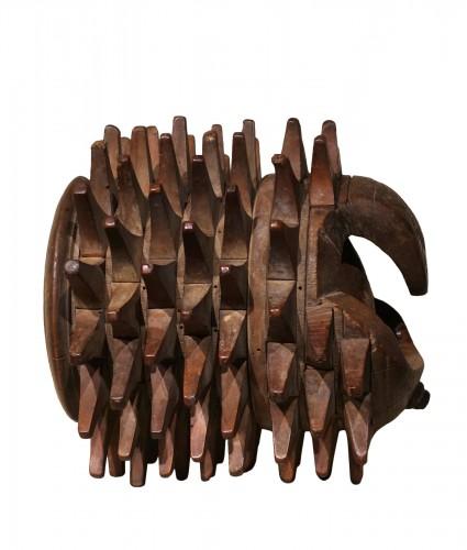 """Carved Walnut """"Braccia"""" for """"Pallone col bracciale""""- Rome, 17th century"""