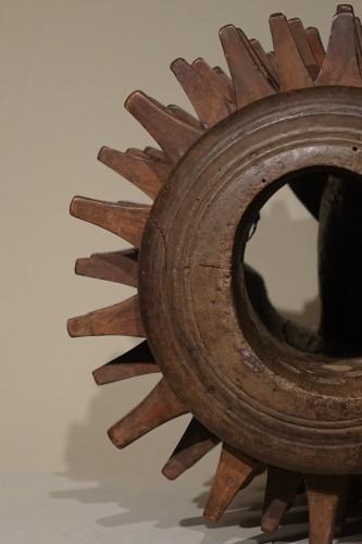 "Louis XIII - Carved Walnut ""Braccia"" for ""Pallone col bracciale""- Rome, 17th century"