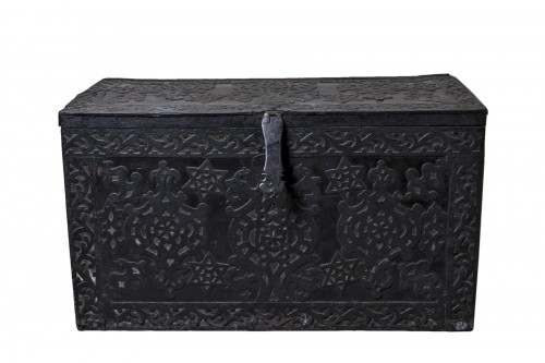 Large wood and iron chest with stars of David - Hungary, 17th / 18th  -century
