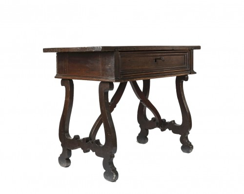 "Walnut Table ""a lira"" - Tuscany, XVII century"