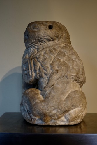Marble lion – Périgord 17th century -