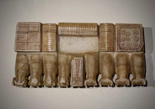 Votive alabaster sculpture - South Arabia, III-IV century AD - Ancient Art Style
