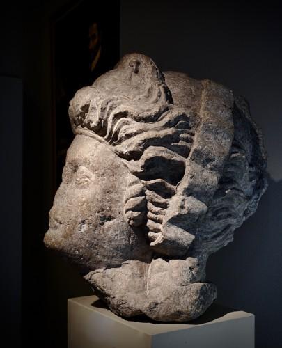 Monumental feminine head - Roman Empire (Palmira?) - 3rd-4th century AD - Ancient Art Style