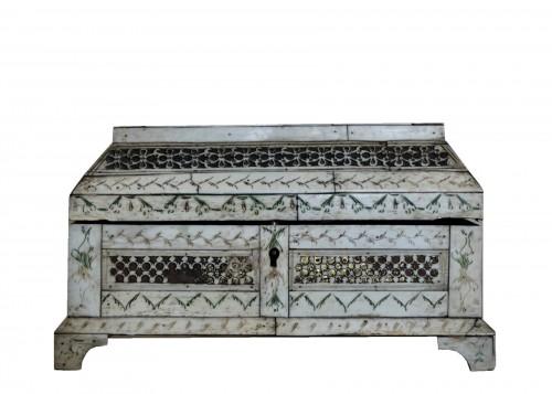 Russian Carved bone table box - XVIII century