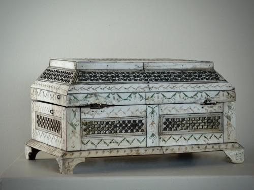 Russian Carved bone table box - XVIII century - Objects of Vertu Style