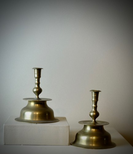 Lighting  - Pair of brass candlesticks - Germany 17th  century