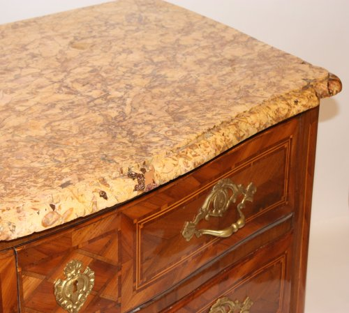 Furniture  - Louis XV chest of drawers from Dauphine