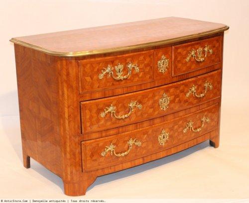 Louis XIV - A Louis XIV chest of drawers