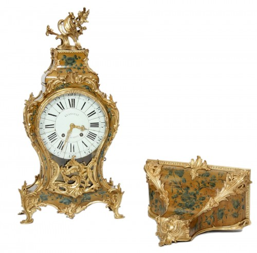 French Louis XV cartel in lacquered wood with yellow background
