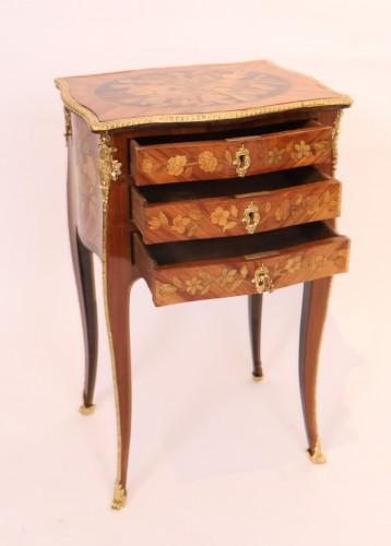 Louis XV table stamped Nicolas Petit - Louis XV