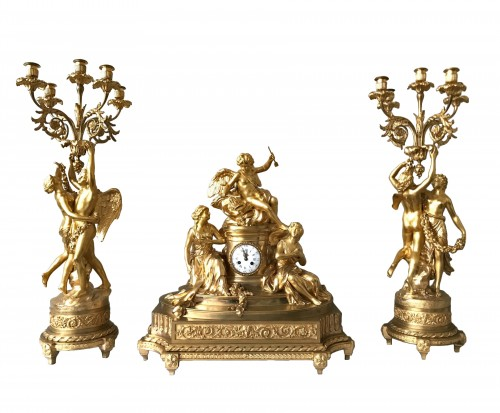 "Neo-classical gilded bronze garniture ""À l'Amour"""