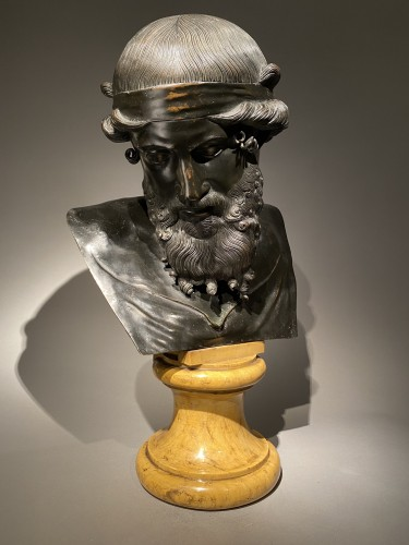 Dionysos - Sculpture Style