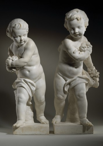 Pair of Marble Putti - Sculpture Style