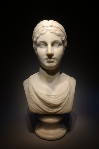 Bust of Sappho - Sculpture Style