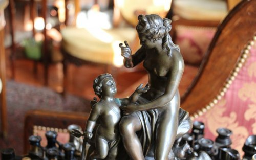 "18th century Bronze group ""Venus and Cupid"" -"