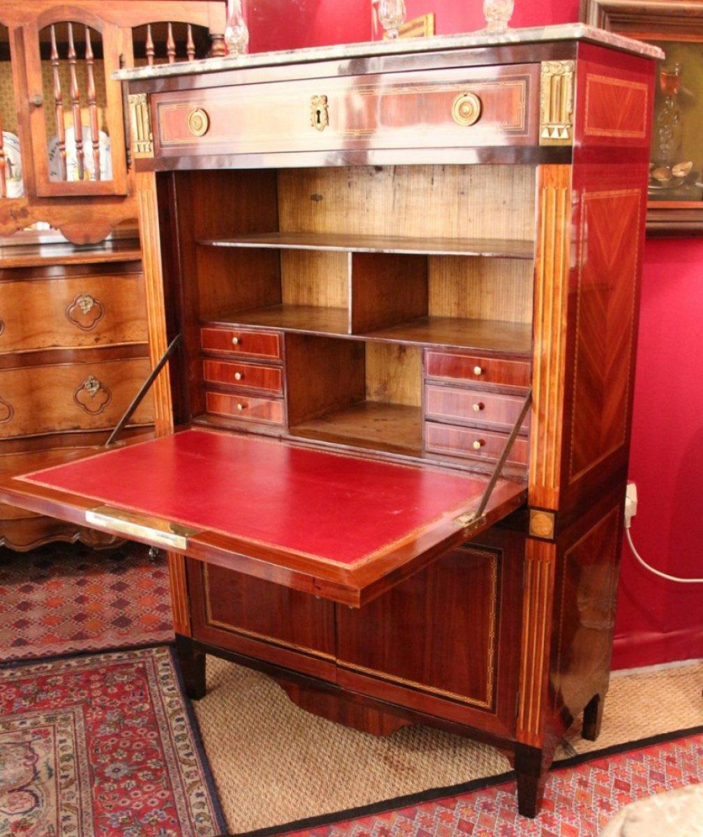 secr taire en marqueterie d 39 poque louis xvi xviiie si cle. Black Bedroom Furniture Sets. Home Design Ideas