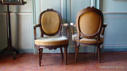 Set of eight Louis XVI cabriolet armchair - Seating Style Louis XVI
