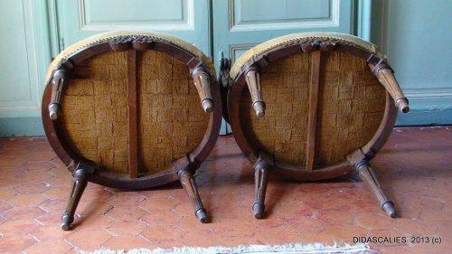 Antiquités - Set of eight Louis XVI cabriolet armchair