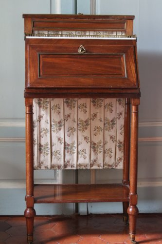 Small Louis XVI secretaire