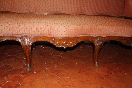 Early 18th century walnut sofa - Seating Style French Regence