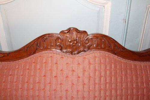 Early 18th century walnut sofa -
