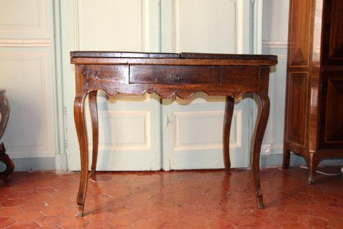 18th century French provencal walnut table
