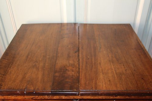 18th century French provencal walnut table -