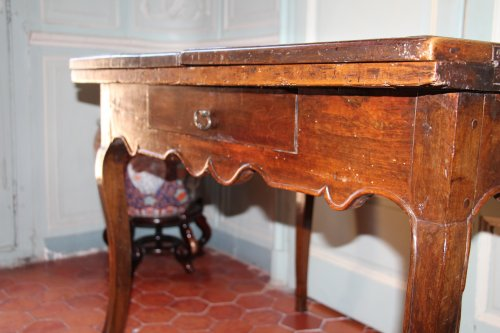 18th century French provencal walnut table - French Regence