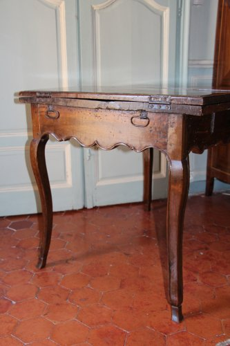 French Regence - 18th century French provencal walnut table