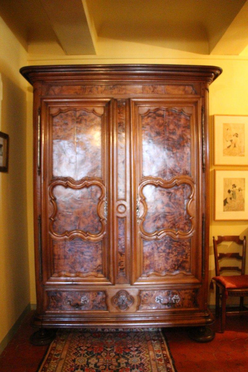 armoire bressanne xviiie si cle. Black Bedroom Furniture Sets. Home Design Ideas