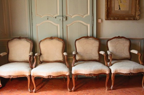 "French Suite of four flat back fauteuils  "" la Reine"", eighteenth century - Seating Style French Regence"